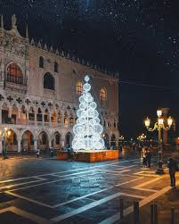 Christmas Lights In Venice Christmas In Venice Piazza San Marco Italy Travel Italy