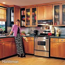 Kitchen cabinets wood Rustic Kitchen Fh99markitcab013 Refinishing Kitchen Cabinets Refinish Kitchen Cabinets Pinterest How To Refinish Kitchen Cabinets The Family Handyman
