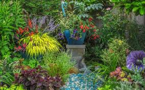 Small Picture Designing Gardens with Fine Foliage