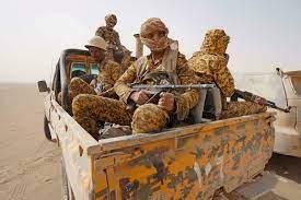 اليمن: 30 قتيلا على الأقل في هجوم استهدف قاعدة عسكرية للقوات الموالية  للحكومة