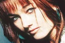 Lari White, Country Singer and 'Cast Away' Actress, Dies at 52 (Report)