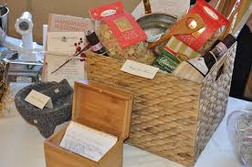 bridal shower seven clarifications on best wedding gifts gift basket ideas