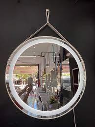 Gương trang điểm cảm ứng đèn led có dây da - Thế Giới Tranh Đẹp Đà Nẵng