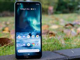 Điện thoại giảm giá còn dưới 4 triệu đồng: Mua Realme 3 Pro hay Nokia 7.2?  - NHANHMUA.COM