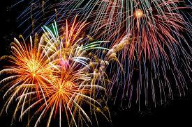 華麗で美しい煙火が彩る夏祭りの夜の写真素材を無料ダウンロード