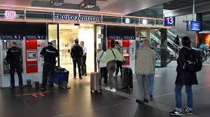 Hier können sie ihre bahn tickets online suchen und buchen, reiseauskunft und aktuelle zugverbindungen finden. Bahn Plant Nach Streik Wieder Weitgehend Normalbetrieb Rbb24
