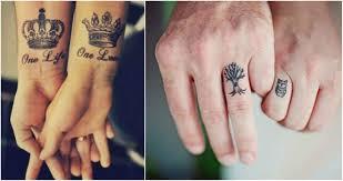Novomanželé Kteří Si Místo Snubních Prstýnků Zvolili Tetování