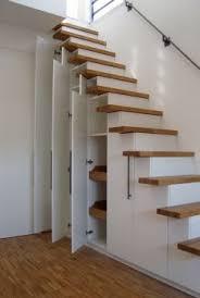 Unter der treppe sind regale, schränke und garderobe eingebaut. Schranktreppe Hafele Functionality World Treppenspeicher Dachbodenausbau Treppe Design Fur Zuhause