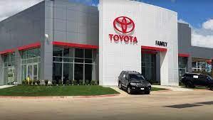 Toyota Dealer in Arlington, TX serving Dallas & Fort Worth