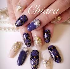 Yokoshikataキアラさんのネイルデザイン 冬ネイルアーガイル