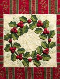 You have to see Christmas Quiltettes on Craftsy! - Looking for ... & Wreath Quilt for Christmas. I really love the 3-D leaves and berries on Adamdwight.com