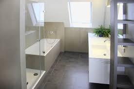 Badezimmer Glänzend Badezimmer Sanieren Kosten Beabsichtigt Eine Bad