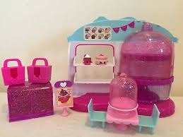 Shopkins Cupcake Queen Cafe Playset Lot Complete With Exclusives