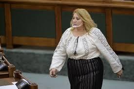 """Senatoarea AUR Diana Șoșoacă șochează din nou: """"Am avut simptome de otrăvire. Se pune la cale infectarea mea cu Covid"""" - Stirile Kanal D"""