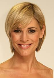 short hairstyles for 40 year old woman 2017
