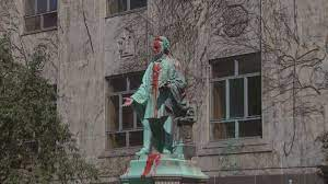 Jun 07, 2021 · a protester swings a hammer in an attempt to remove the head of the egerton ryerson statue in toronto on sunday june 6, 2021. Indigenous Faculty Call For Ryerson University Name Change And Removal Of Statue Ctv News