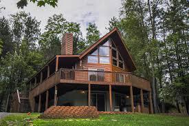 <b>Howling Wolf</b> Den - Taylor-Made Deep Creek Vacations & Sales