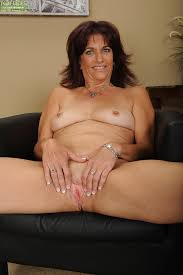 Mature woman open pussy