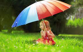 Beautiful-cute-baby-girl-with-umbrella