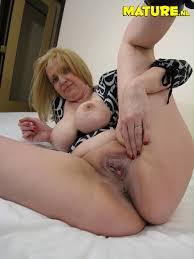 Free horny mature sluts pix