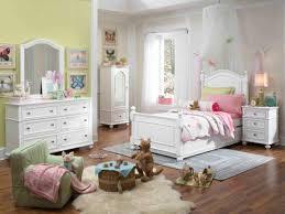 LC Kids Madison Low Poster Bedroom Set