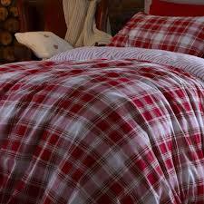 cosy warm duvet set tartan red