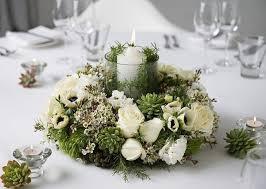 christmas-wreath-centerpiece-fresh-flowers-white
