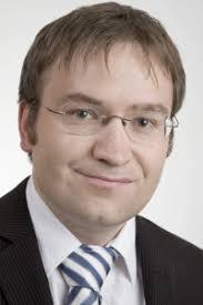 UZH - Information Management Research Group - Prof. Dr. Alexander ...