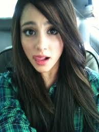 ariana grande no makeup selfie