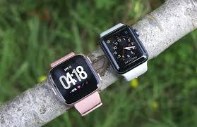 Apple Watch vs. Fitbit Versa: How to choose - CNET