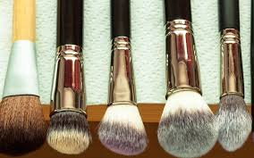 7 best ways to clean makeup brushes without chemicals