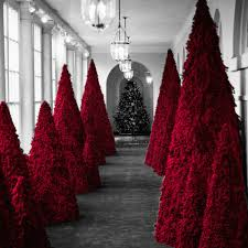 Searching for Meaning in Melania Trump\u0027s Red Christmas Trees