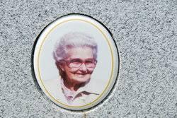 Hazel Janett Mullins Burgess (1919-2003) - Find A Grave Memorial