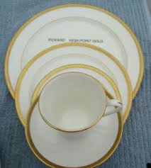 Details About Pickard China High Point Gold 5 Piece Place Setting Showroom Sample New