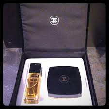 chanel 5 gift set. *sold* 🚫 chanel no 5 authentic gift box set gift set r