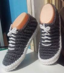 Ручное вязание, Связанные крючком тапочки и Вязание <b>носков</b>