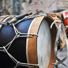 Alat musik ritmik memiliki fungsi sebagai pelengkap alat musik lainnya, misalnya dalam pertunjukan orkestra. Alat Musik Ritmis Adalah Instrumen Penyempurna Kenali Fungsi Dan Contohnya Hot Liputan6 Com