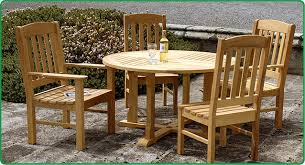 wooden round table country style chairs