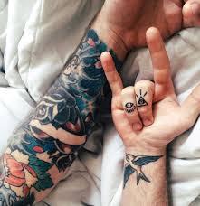 тату на пальцах фото мужские