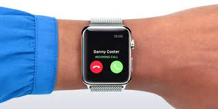 apple 3 watch. conclusion, we think the apple watch wins this round, as 4g feature and measuring of your heart\u0027s recovery time are definite show stealers. 3