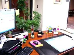office decorating items. Delighful Items Office Desk Decoration Ideas For Competition Charming Fair  About Table   And Office Decorating Items E