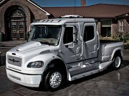 STRUT Freightliner Business Class M2 Sportchassis Grille Collection ...