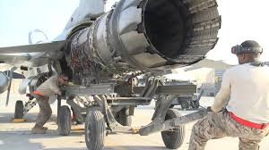 hd video of f 16 fighter jet engine removal youtube turbine engine mechanic