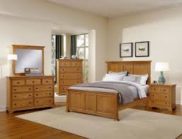 Oak Bedroom Sets Furniture Forsyth Medium Oak Panel Bedroom Set By Virginia House Furniture