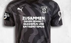 In attesa dell'incontro puoi leggere gli articoli di avvicinamento relativi a queste due squadre di calcio. Hallescher Fc Im Sondertrikot Gegen Meppen Liga3 Online De