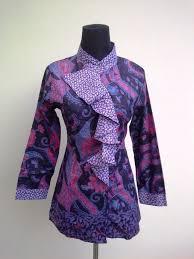 Agar senantiasa terlihat lebih menawan dan anggun di setiap aktifitas sehari hari, anda patut menggunakan pakaian batik kombinasi lengan panjang ini. Model Baju Atasan Wanita Lengan Panjang Terbaru Baju Atasan Lengan Panjang Model Baru Baju Atasan Lengan Pakaian Wanita Baju Atasan Wanita Model Baju Wanita