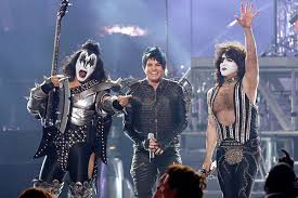 gene simmons son tongue. it sounds like gene simmons of kiss feels a real threat from adam lambert. come on gene, the kid is young enough to be your son, why not share son tongue