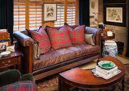 decorating with leather furniture 3