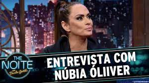 Entrevista com Núbia Óliiver | The Noite (19/04/17) - YouTube
