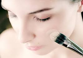 makeup should not go on a bare face apply a thin layer of your daily moisturizer followed by a makeup primer before applying any paint